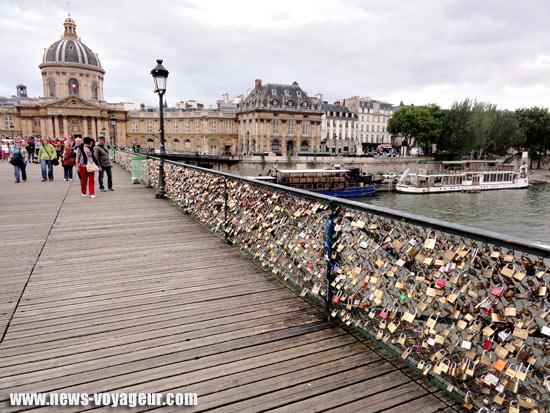Les cadenas d 39 amour du pont des arts news voyageurnews voyageur - Pont des cadenas paris adresse ...