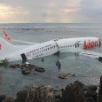 Un Boeing 737-800 de la compagnie arienne indonsienne Lion Air a ralis un atterrissage en mer. L&rsquo;avion a atterri 500...