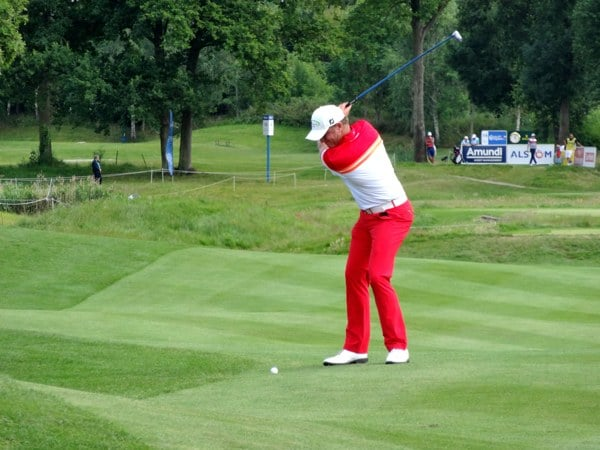 golf-pantalon-rouge