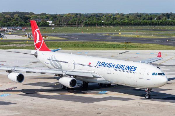 Boeing 777 airline