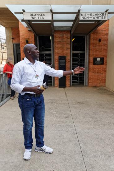 Entrée du musée de l'apartheid