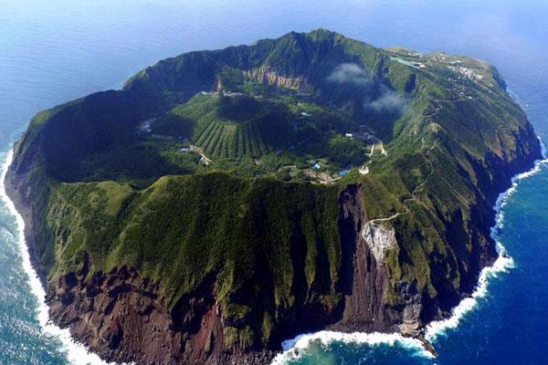 L'ile d'Aogashima au Japon