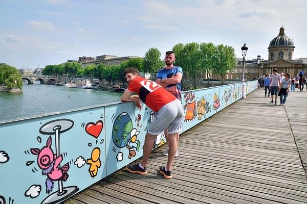 touristes pont des arts